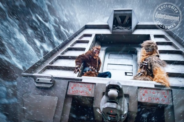 han-solo-movie-images-han-chewie-ew-600x400.jpg