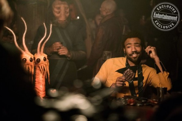 han-solo-movie-images-lando-donald-glover-ew-600x400.jpg