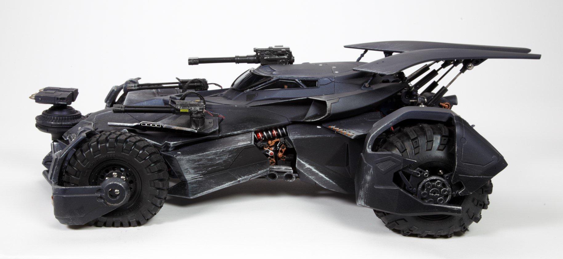 szmk_batmobile_justice_league_igazsag_ligaja_6.jpg