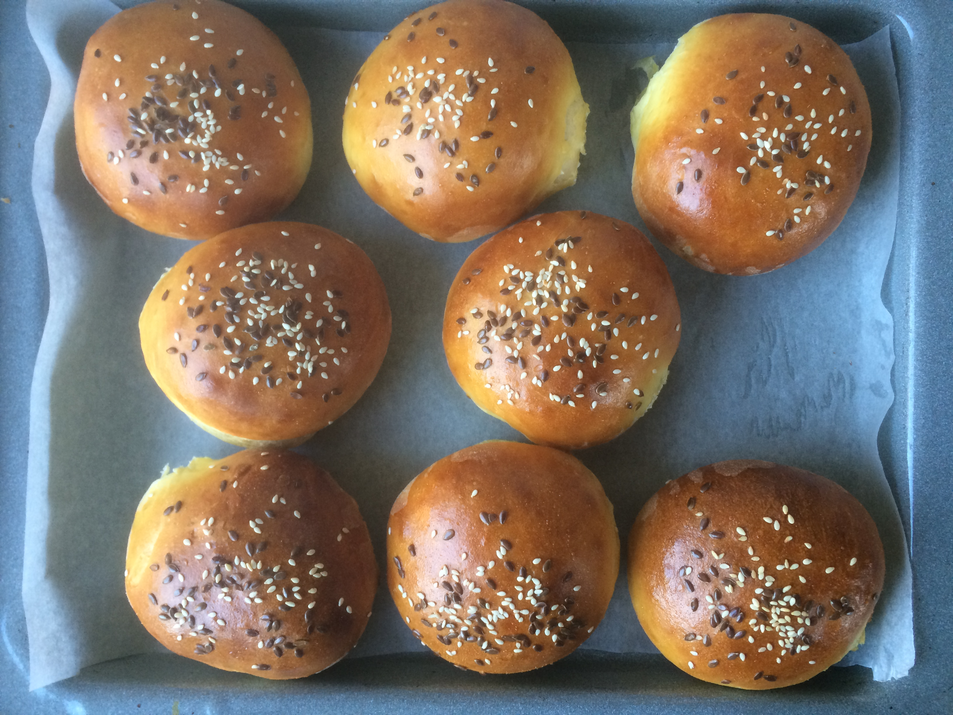 szmk_big_kahuna_burger_diy_recept_recepie_quentin_tarantino_pulp_fiction_csinald_magad_ponyvaregeny_jules_vincent_mia_wallace_zed_tasty_burger_royal_with_cheese_2.JPG