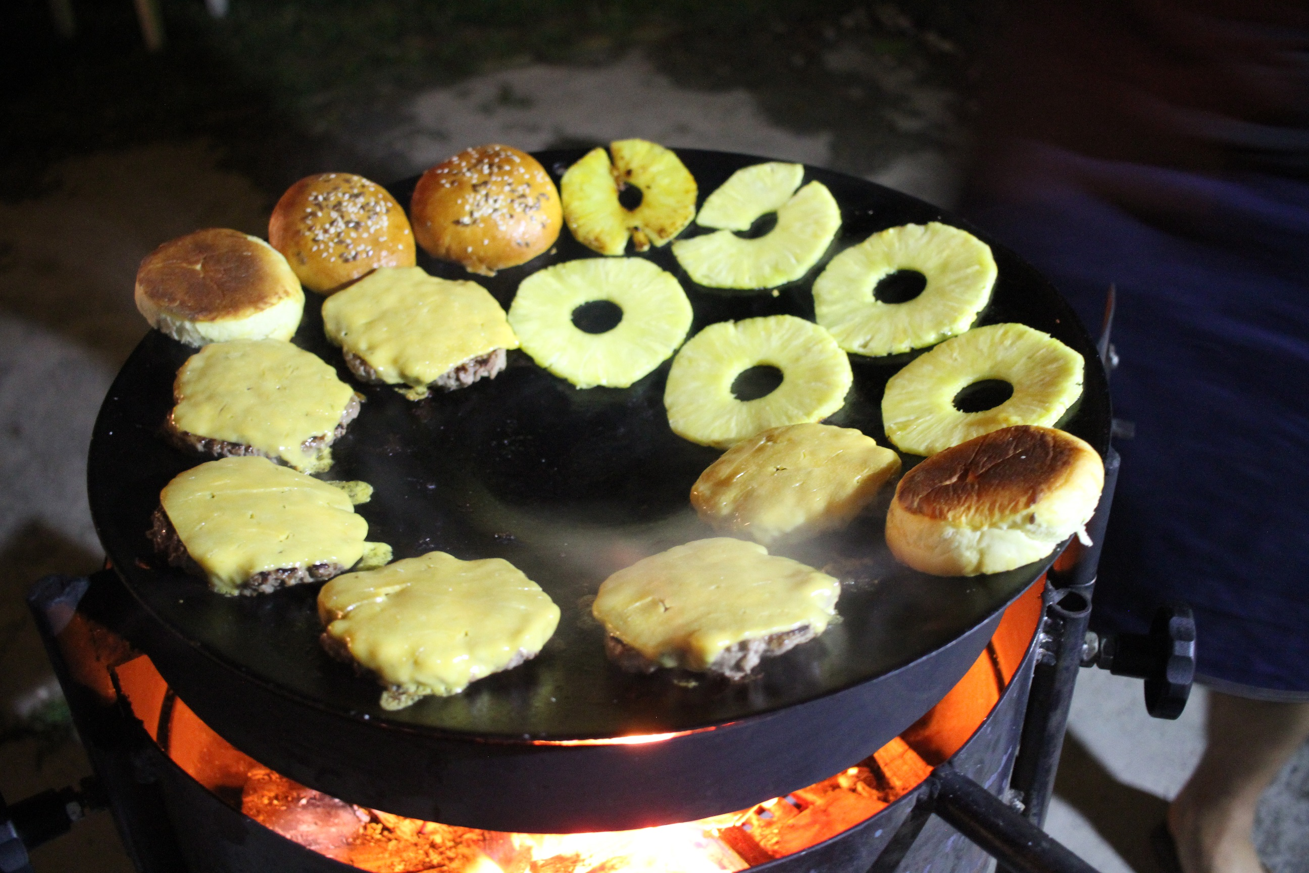 szmk_big_kahuna_burger_diy_recept_recepie_quentin_tarantino_pulp_fiction_csinald_magad_ponyvaregeny_jules_vincent_mia_wallace_zed_tasty_burger_royal_with_cheese_23.JPG
