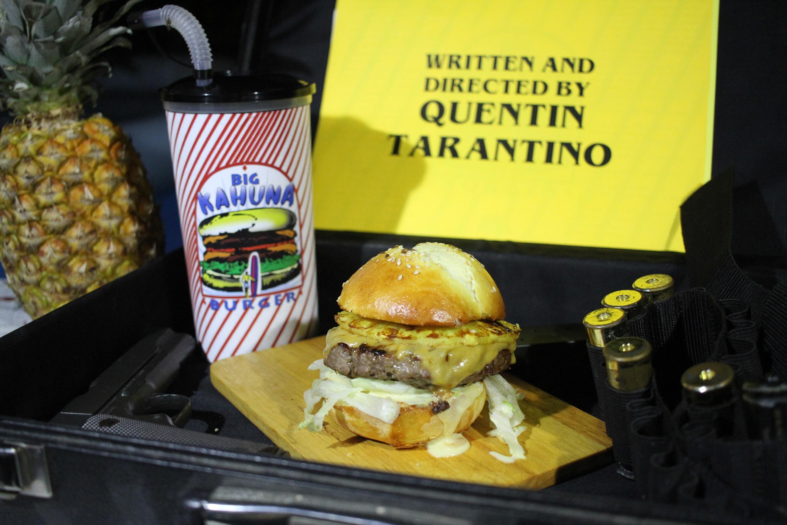 szmk_big_kahuna_burger_diy_recept_recepie_quentin_tarantino_pulp_fiction_csinald_magad_ponyvaregeny_jules_vincent_mia_wallace_zed_tasty_burger_royal_with_cheese_41.JPG