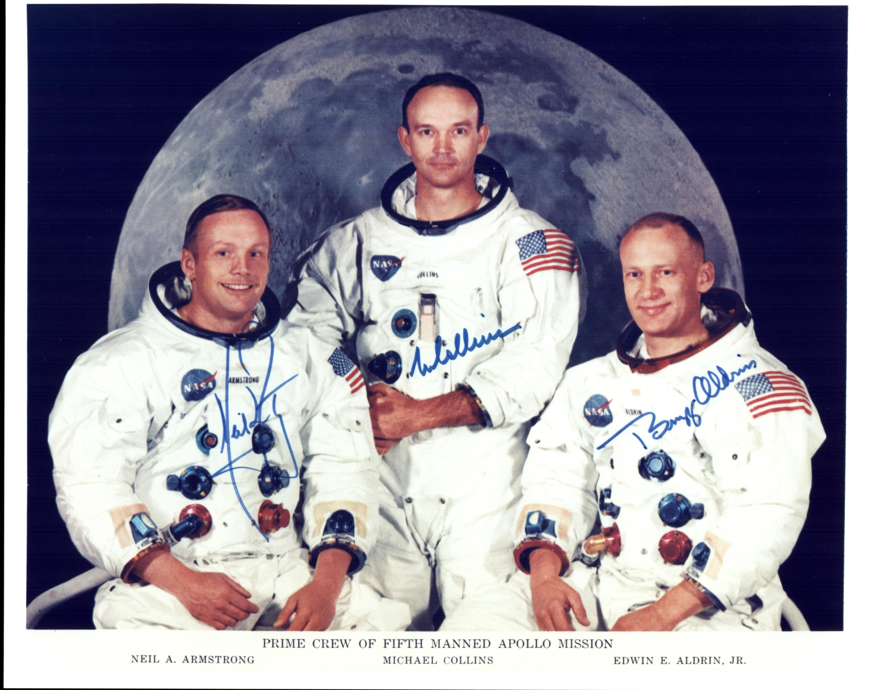 szmk_first_man_neil_armstrong_hold_moon_elso_ember_3.jpg