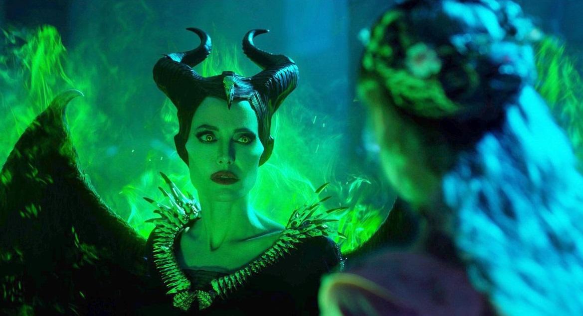 szmk_maleficent_mistress_of_evil_demona_disney_csipkerozsika_angelina_jolie_sotetseg_urnoje_2_5.jpg