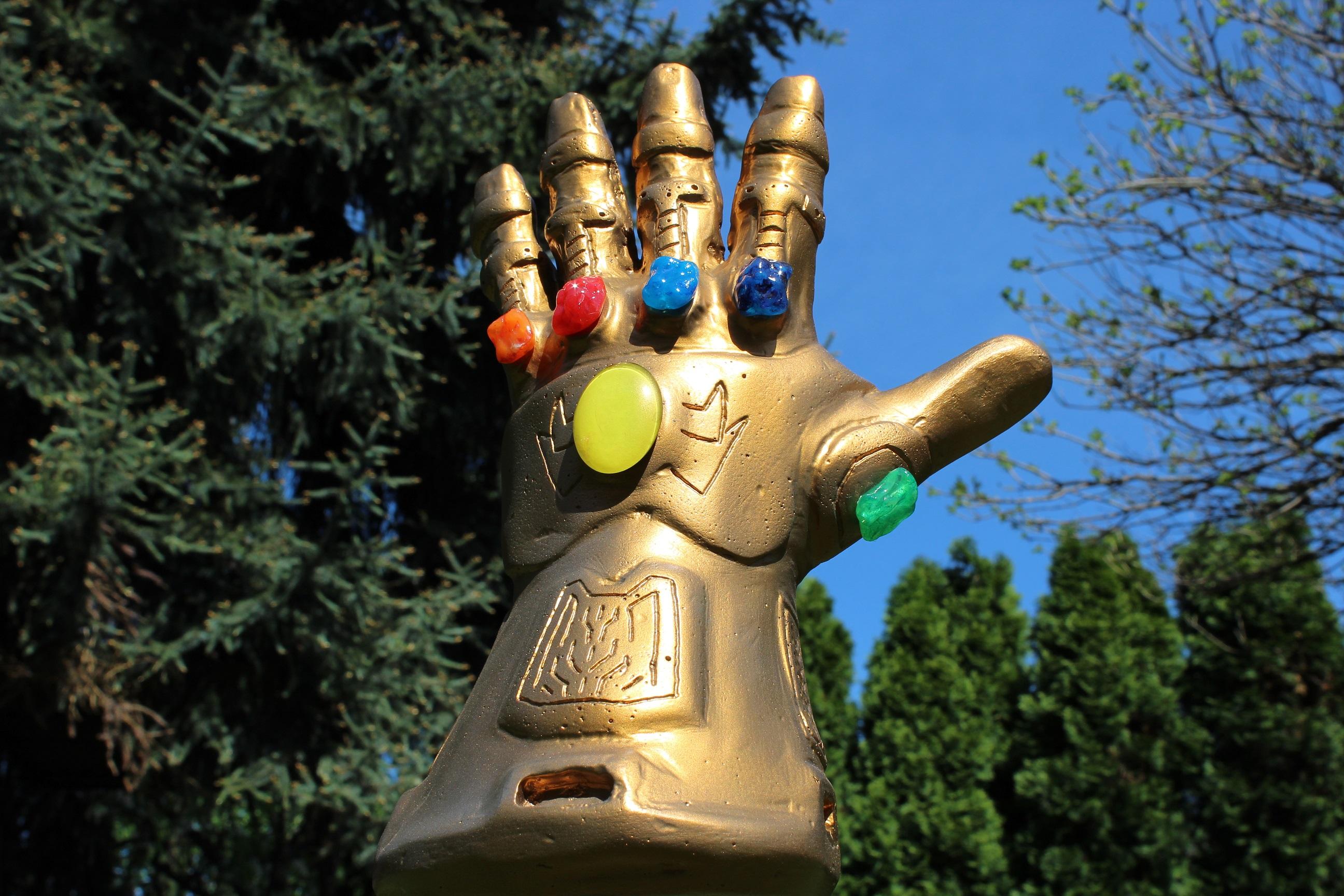 szmk_marvel_avengers_infinity_gauntlet_bosszuallok_vegtelen_kesztyu_csinald_magad_thanos_8.JPG