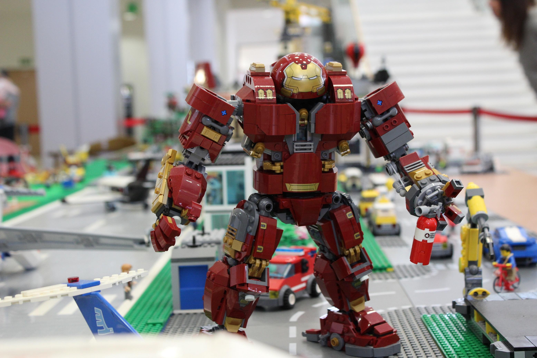 szmk_marvel_lego_hulkbuster_groot_lego_5_1.JPG