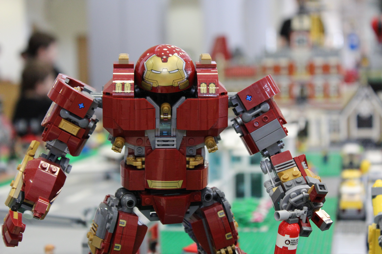 szmk_marvel_lego_hulkbuster_groot_lego_7_1.JPG