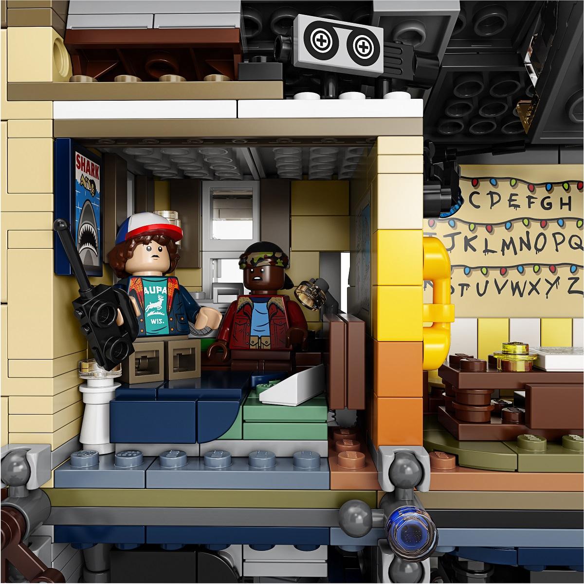 szmk_netflix_stranger_things_lego_upside_down_tothagas_5.jpg
