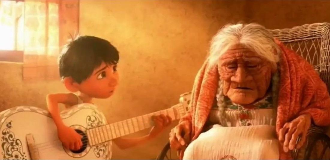 szmk_pixar_disney_coco_fel_toy_story_szenilla_nemo_agymanok_elore_meghatodott_siras_konnyek_emlekezz_ram_woody_buzz_miguel_banat_deru_animacio_1.jpg