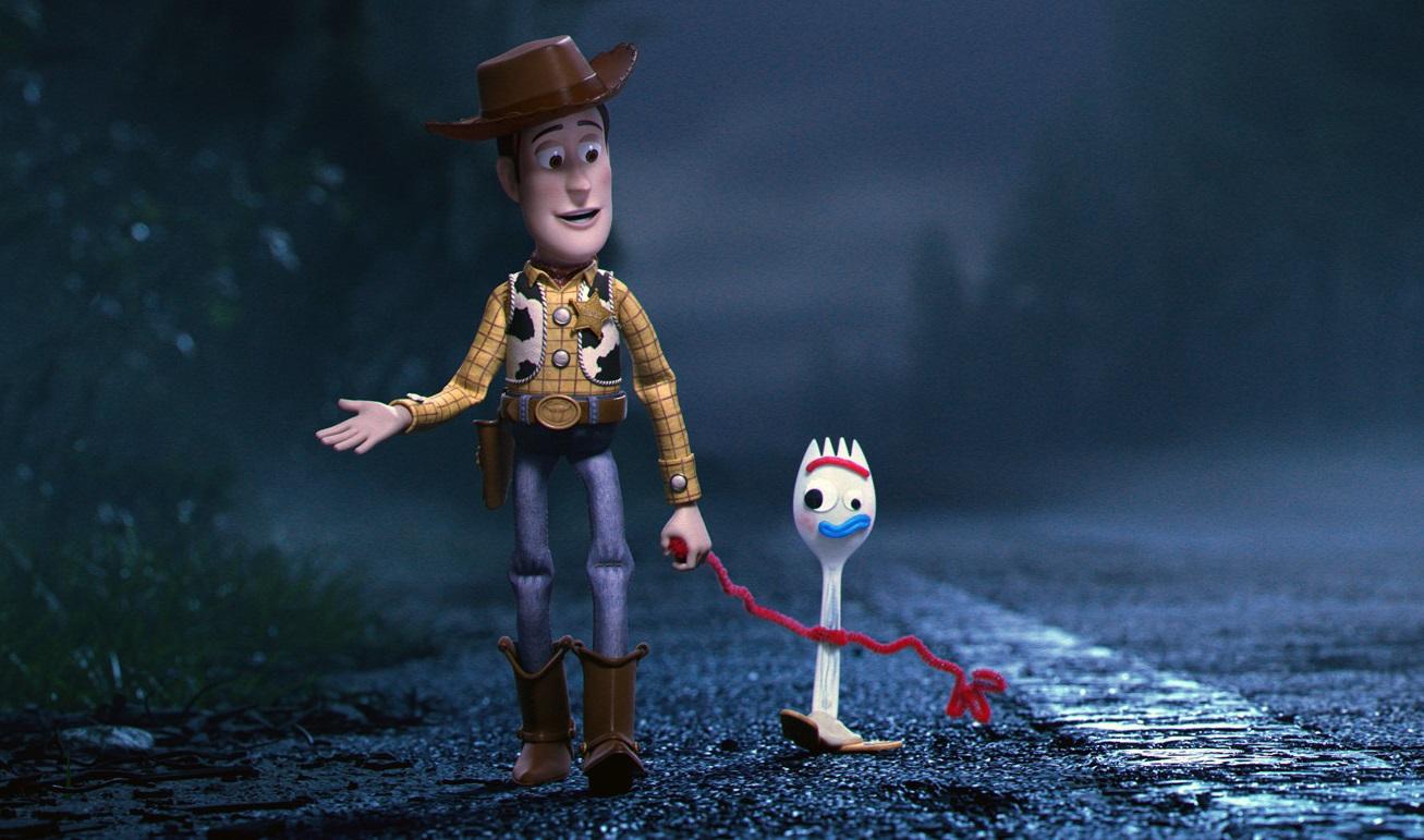szmk_toy_story_4_disney_pixar_villi_forky_woody_buzz_bonnie_andy_jatek_haboru_a_vegtelenbe_es_tovabb_13.jpg