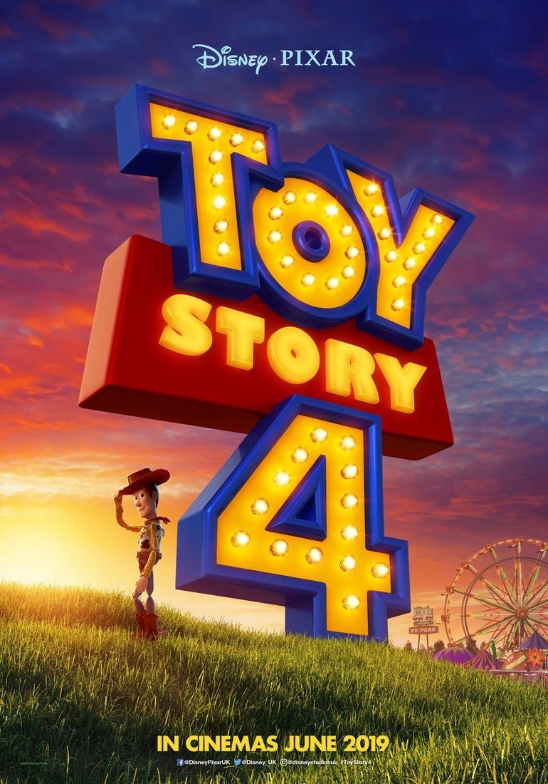 szmk_toy_story_4_disney_pixar_villi_forky_woody_buzz_bonnie_andy_jatek_haboru_a_vegtelenbe_es_tovabb_5.jpg