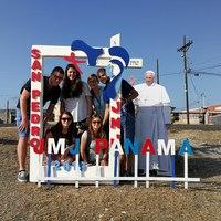 Mi a fenét keresett 600 ezer fiatal Panamában?