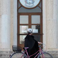 A lelkész, ha biciklis