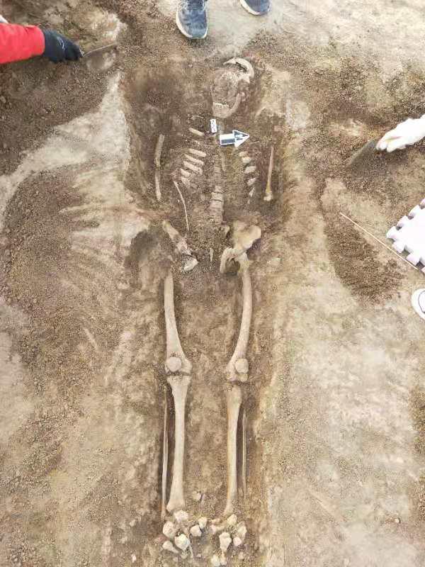 Qin női sír