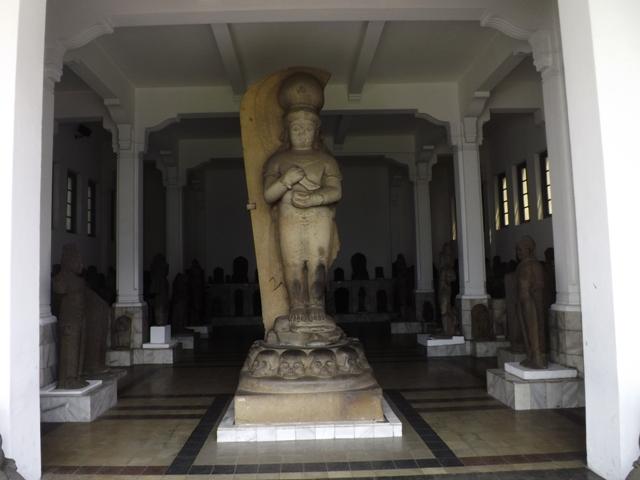 Hindu-buddhista korból származó szobrok a jakartai Nemzeti Múzeum gyűjteményében (Fotó: F. Kovács Péter)