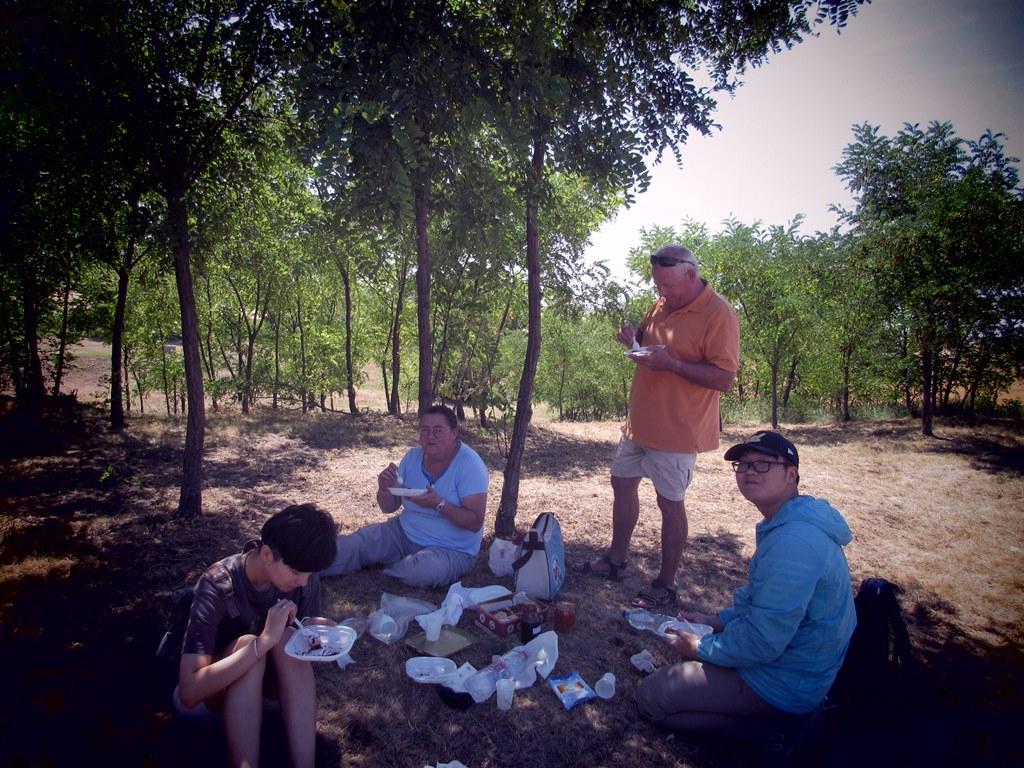 Piknik a tellen, látogatás a Jászdózsa-Kápolnahalom bronzkori többrétegű településen