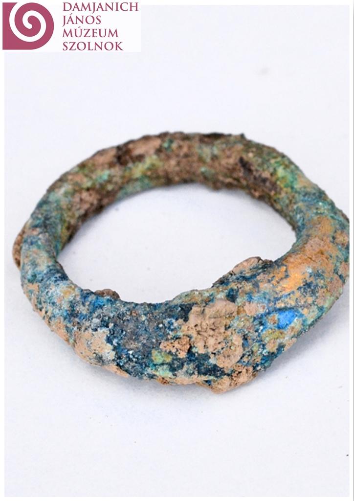 Egy gyűrű az egyik gepida sírból