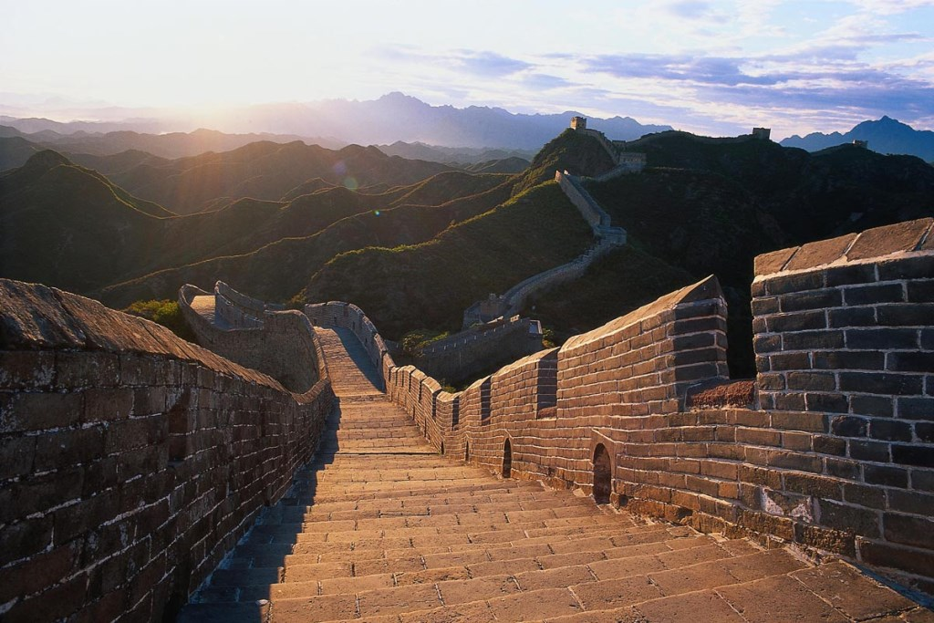 the-great-wall-of-china-beautiful-stretch-with-no-tourists.jpg
