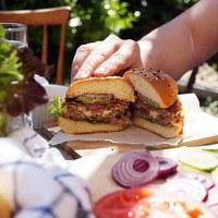 Sajtos-jalapenos hamburger