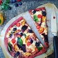 Soksajtos, gyümölcsös, céklás pizza