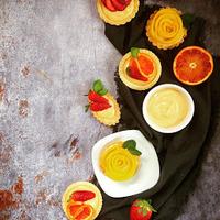 Mini gyümikosárkák, vaníliaágyban