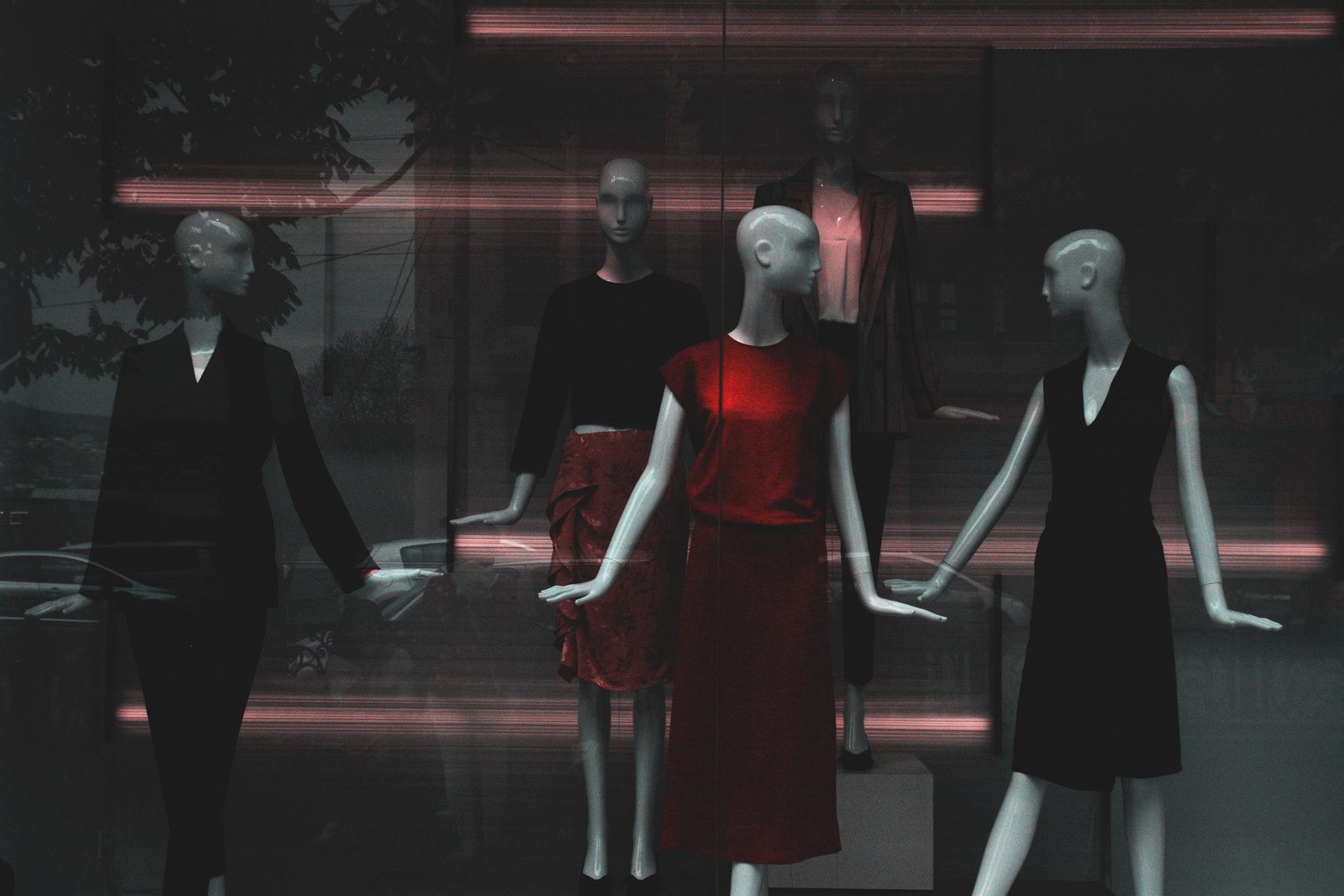 mannequins-1008206.jpg