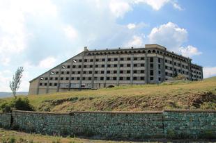 A Szeván-tó elhagyott szovjet szállodái