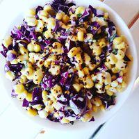 Chilis mentás veganézes lilakáposztás kukorica saláta. Jól behűtve, igazi nyári fogás