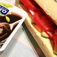#dinner Sandwich to the school.  Ezzel a kis arányossal fogok ma nem-éhenhalni... ☺  #vegan #intheschool #whatveganseat  #whatvegetarianseat #alpro #chocolatepudding #plantbaseddiet #plantbadedfood #veggiesinmyplate #veggies #healthy #healthyfood #healthymom #fitmom #veganmom #govegan #veganinhungary #deakkormiteszel #veganfood #fastfood #sandwich