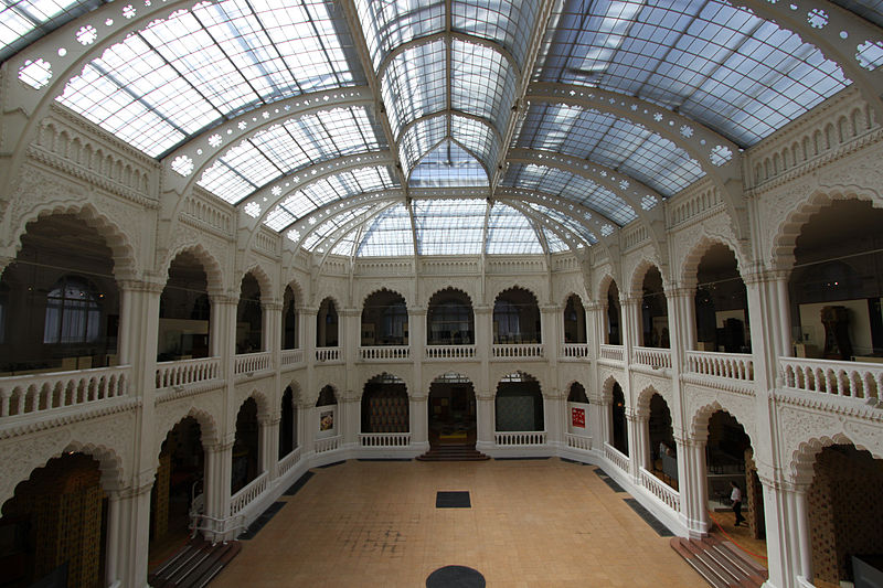 800px-museum_of_applies_arts_atrium_view_from_the_first_floor.jpg