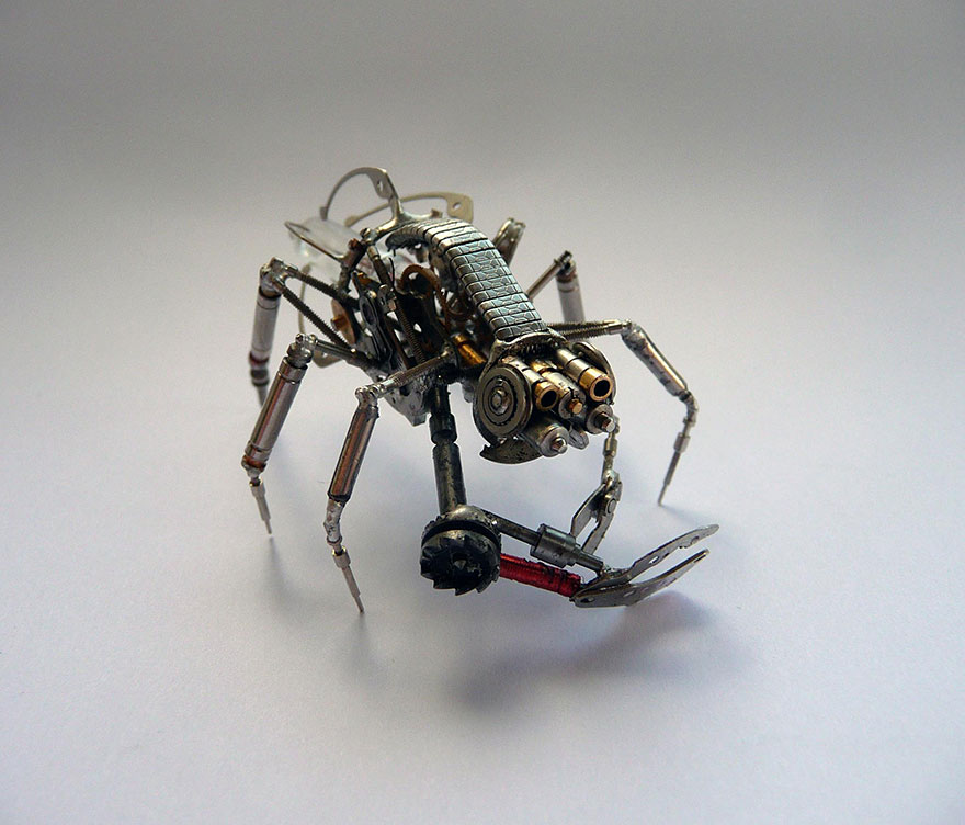 artist-constructs-spine-chilling-insects-and-spiders-from-recycled-watch-parts-12_880.jpg