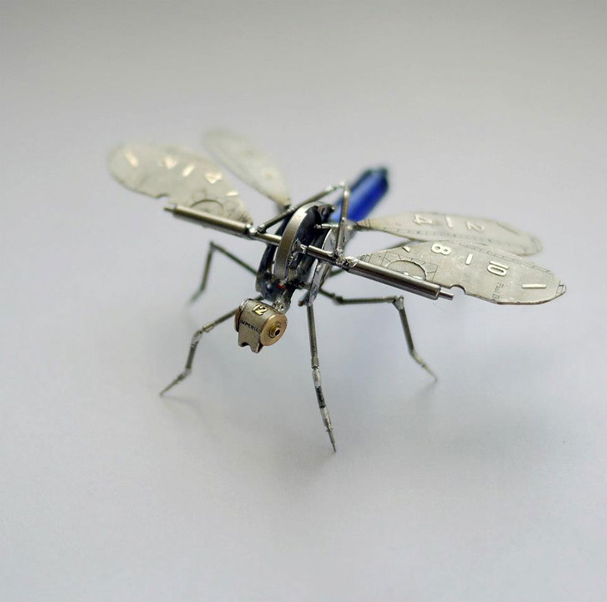 artist-constructs-spine-chilling-insects-and-spiders-from-recycled-watch-parts-13_880.jpg