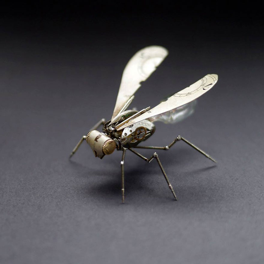 artist-constructs-spine-chilling-insects-and-spiders-from-recycled-watch-parts-5_880.jpg