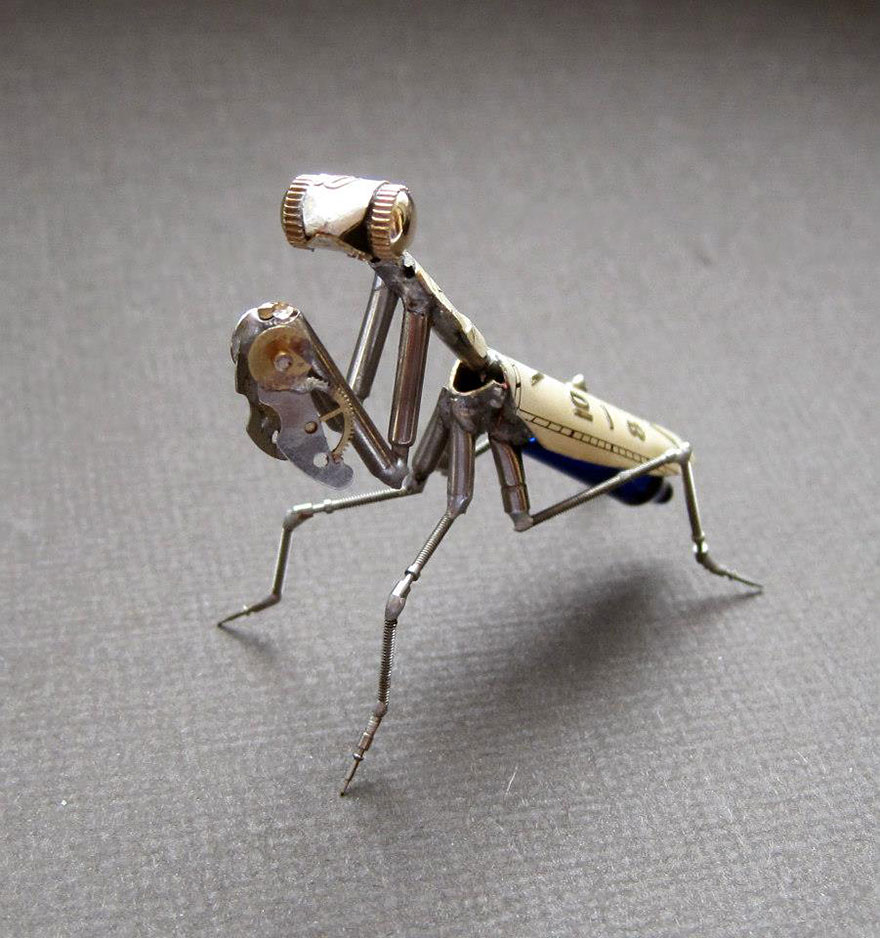 artist-constructs-spine-chilling-insects-and-spiders-from-recycled-watch-parts-6_880.jpg