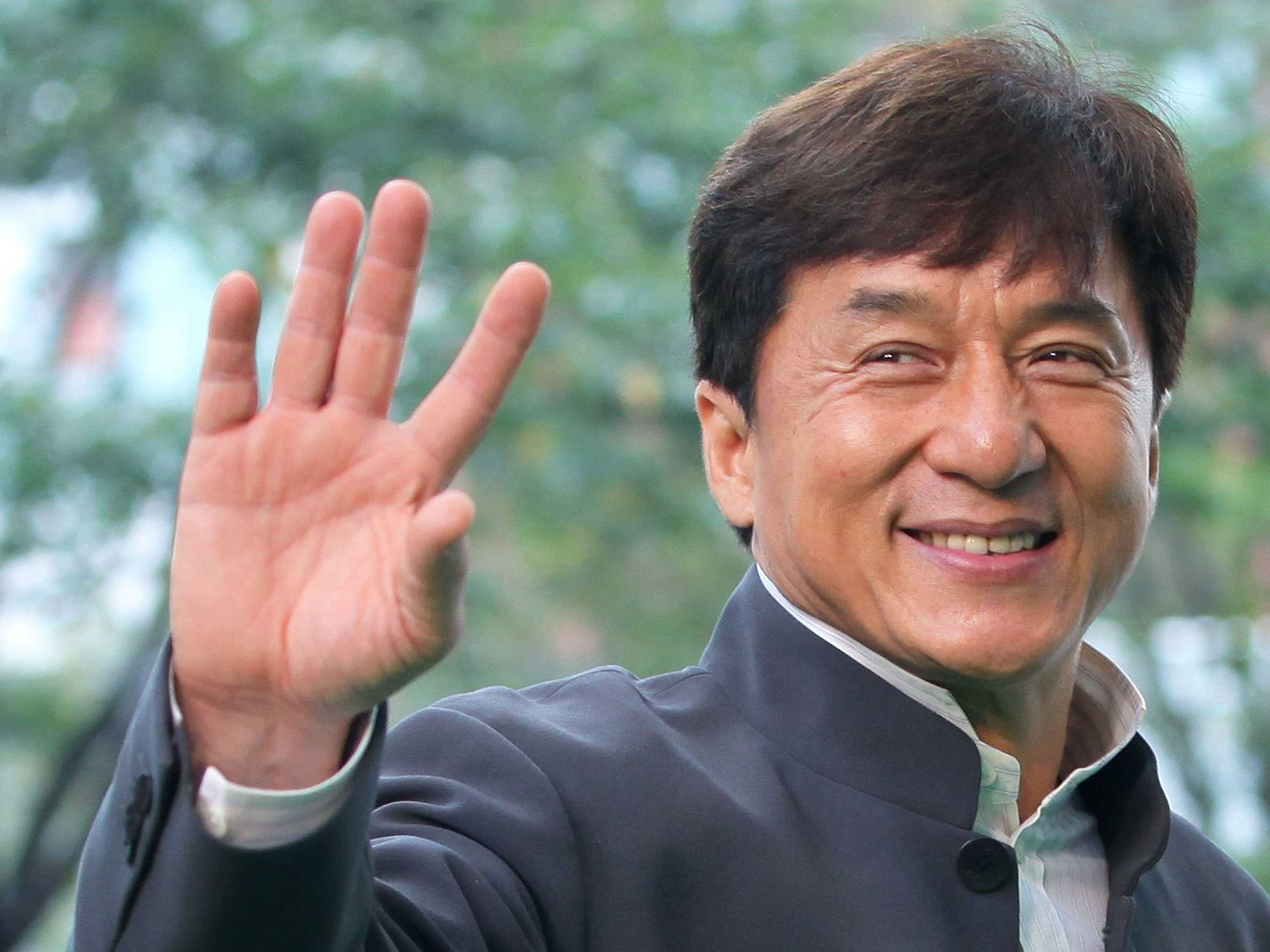 jackie-chan-would-really-like-to-see-some-countries-have-a-disaster.jpg