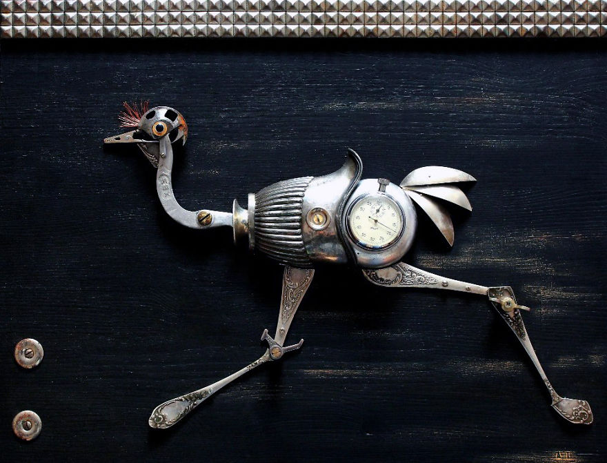 lithuanian-artist-creates-steampunk-assemblages-from-various-type-of-metal-parts1_880.jpg