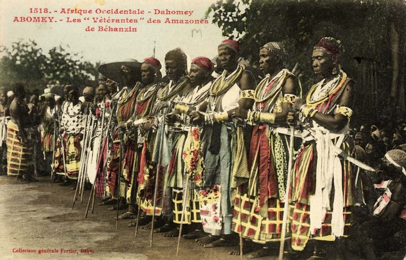 the_celebration_at_abomey_1908_the_veteran_amazones_ahosi_of_the_fon_king_behanzin_son_of_roi_gele.jpg