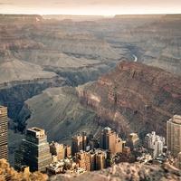 Metropolisz a Grand Canyon vörös sziklái között