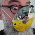 Házi készítésű maszkok és védőcuccok szerte a nagyvilágból