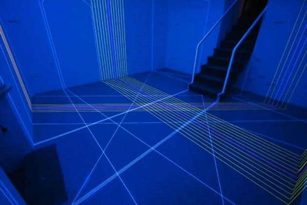10-Creative-Spaces-Featuring-Blacklights-10.jpg