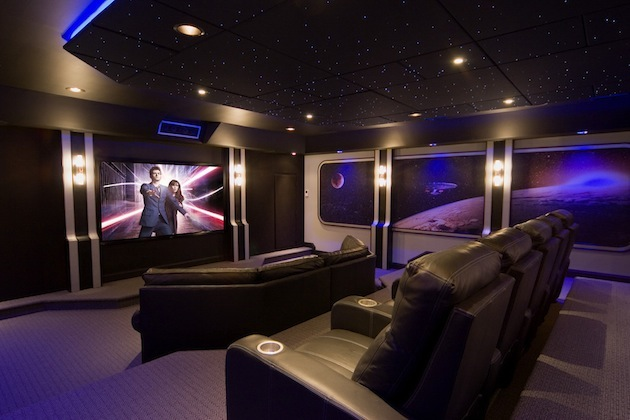 10-Creative-Spaces-Featuring-Blacklights-3.jpeg