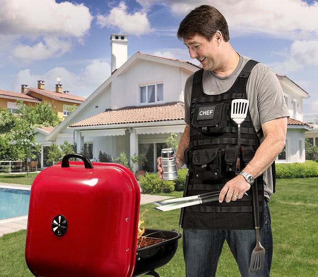 11cd_tactical_bbq_apron_inuse.jpg
