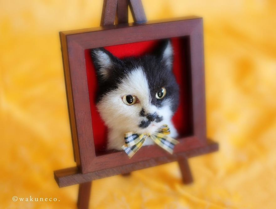 5b5824824b24e-artist-makes-hyper-realistic-cats-using-felted-wool-and-the-result-is-wonderful-5b51cb5cc504f_880.jpg