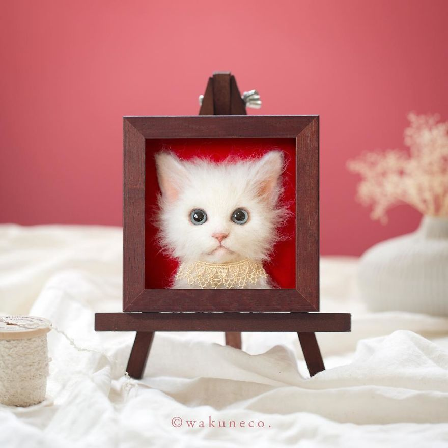 5b582483421cd-artist-makes-hyper-realistic-cats-using-felted-wool-and-the-result-is-wonderful-5b5137ccb5583_880.jpg