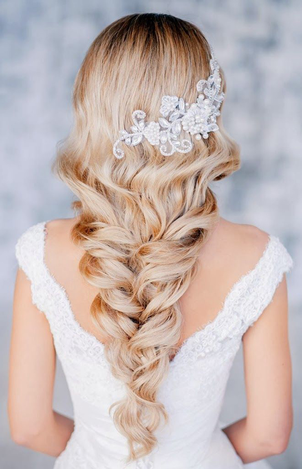 6-blonde-wedding-hairstyle.jpg