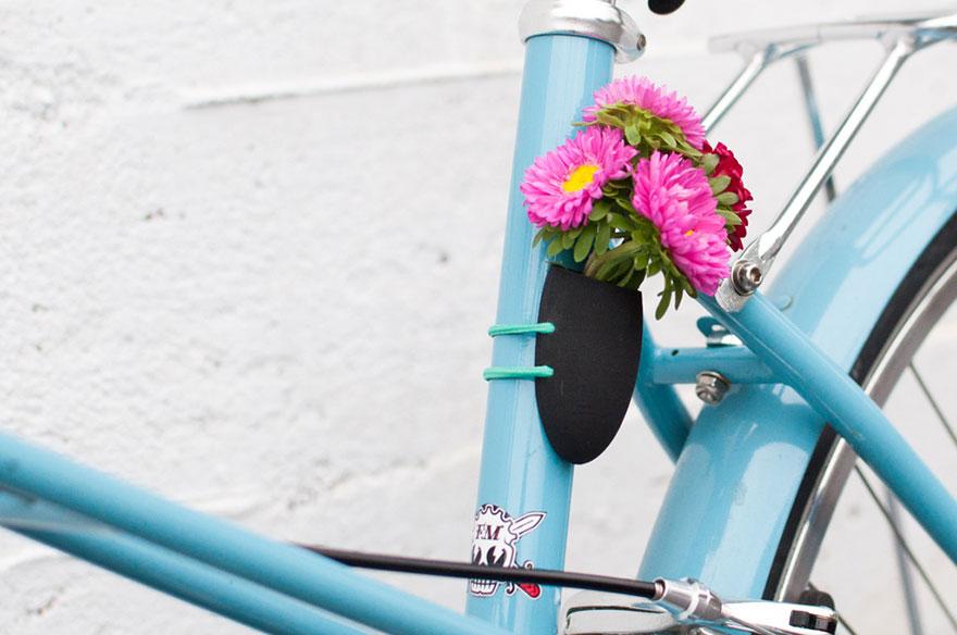 60580bd0ad6d276b-bikeplanter-black-1.jpg