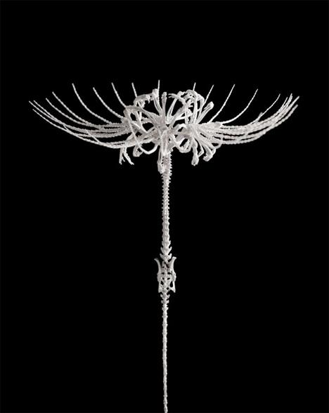 Bone-Flowers-Skeleton-Sculptures-7.jpg
