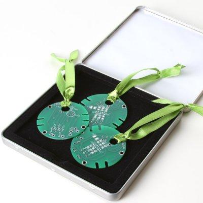 Circuitboard-Tree-Ornament-Set.jpeg