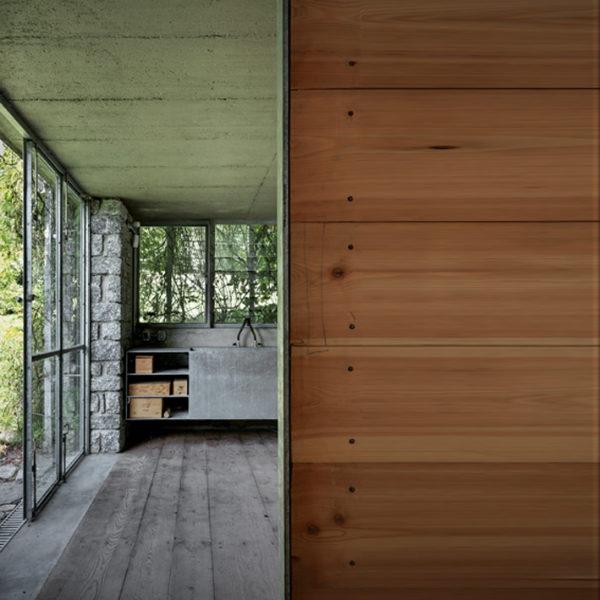 Green_Box_Overgrowing_Cottage_8.jpg