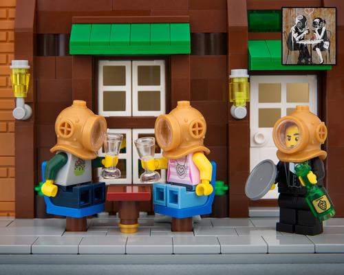 Lego-cafe-banksy-divers-bricksy.jpg